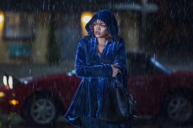 .@Rihanna's Marion Crane finally has her shower scene in #BatesMotel h...