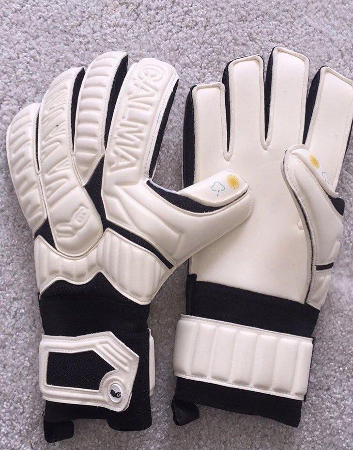 #calma #goalkeepergloves <br>http://pic.twitter.com/SoDsNjlITs