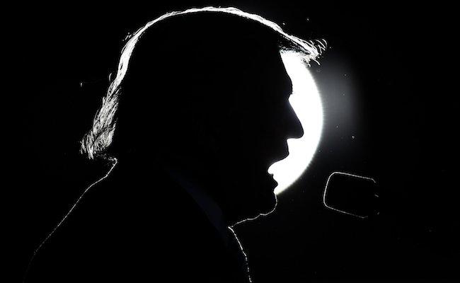 Le négationniste #DonaldTrump tôt ou tard devra être condamné pour crime d&#39;écocide! <br>http://pic.twitter.com/0Nealc6PpU