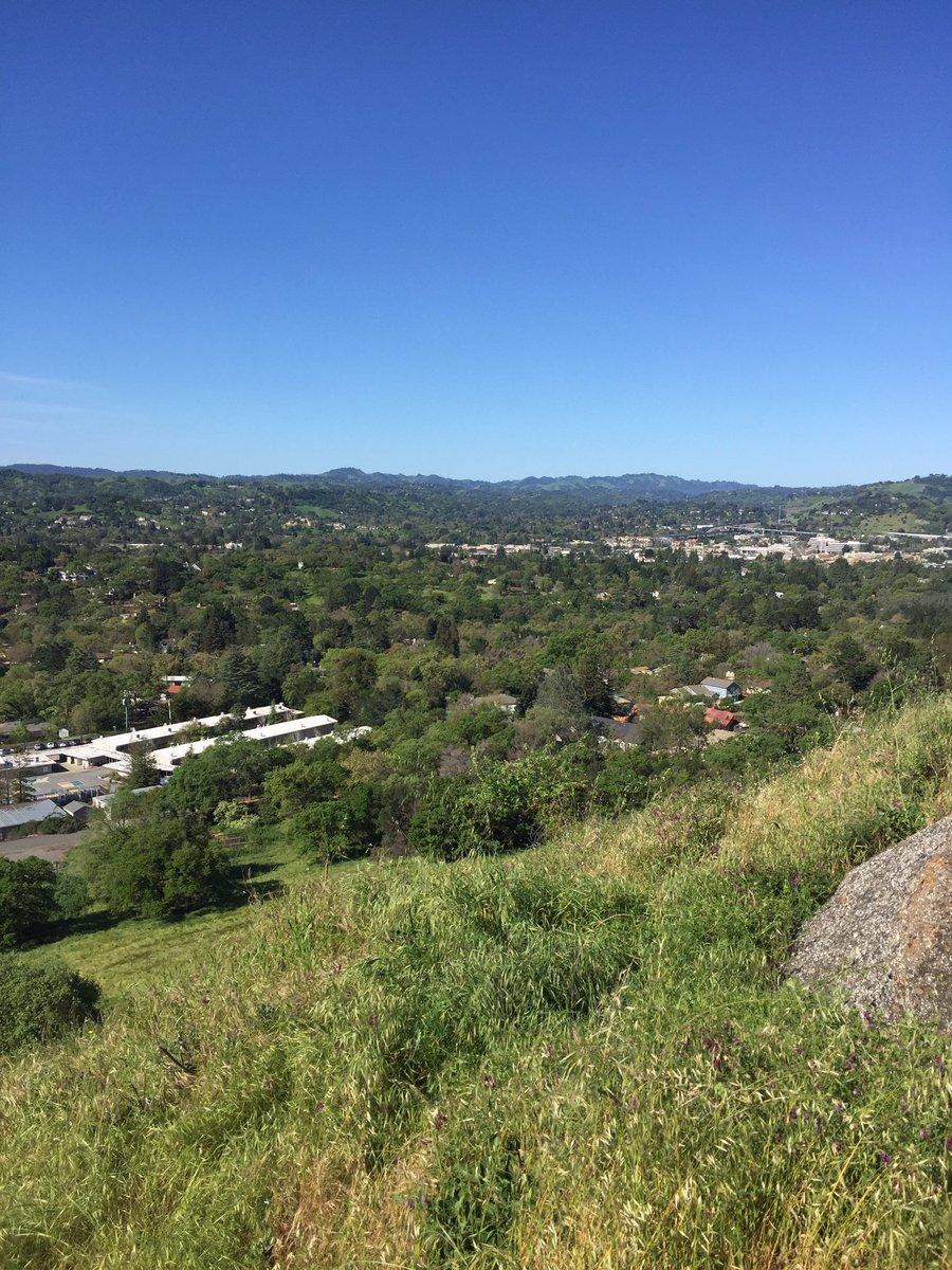 Murwood Third Graders Hike