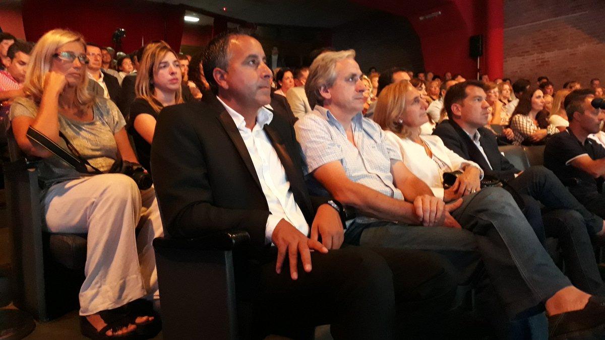 #Ahora se lanza en la Facultad de Derecho la Escuela de Gobierno del #FrenteRenovador #MarDelPlata. Dirigentes capacitados para el futuro<br>http://pic.twitter.com/NKNEIPwwKy
