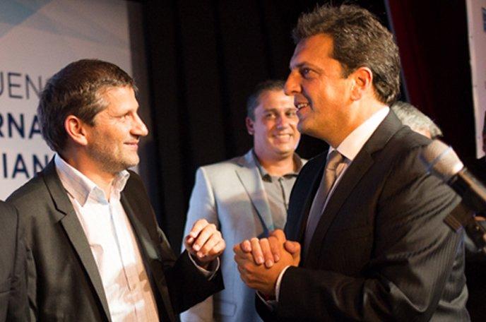 La Escuela de Gobierno del #FrenteRenovador inaugurada esta noche en @MarDelPlataARG por @SergioMassa, sentará un precedente en la ciudad<br>http://pic.twitter.com/LkwDjziZKj