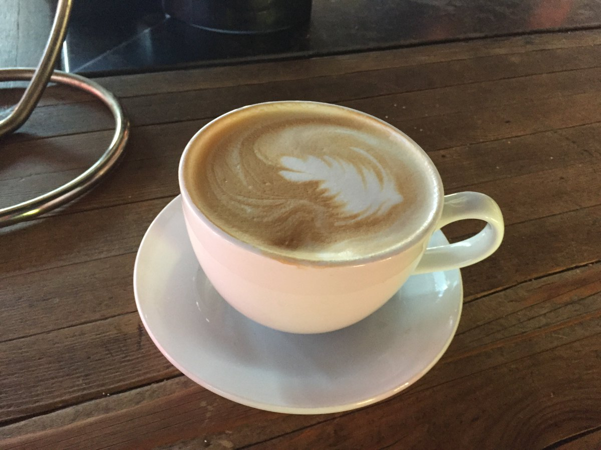 Café est l'essence de ma vie. #coffee #drink #peace #relaxation #rest #music #break #art #expression #life #vacation #picoftheday #instagood<br>http://pic.twitter.com/cuxl8xUWNg