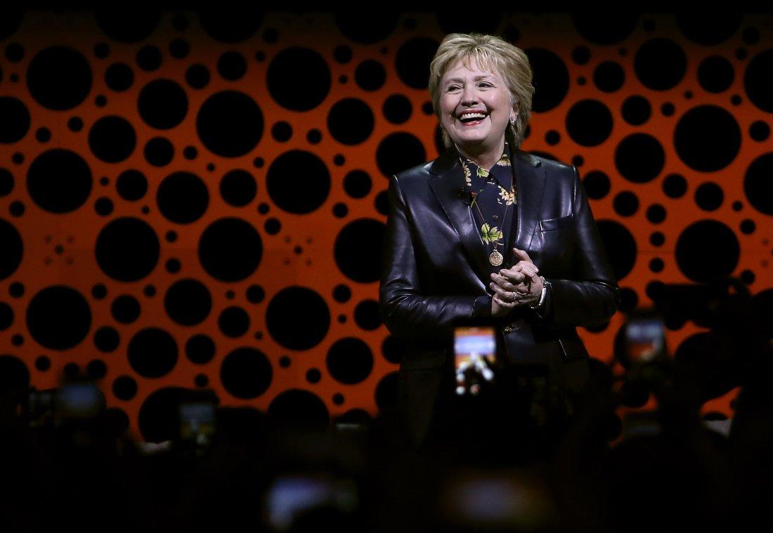 Live: #HillaryClinton addresses the Professional Businesswomen of CA Conf - Doesn&#39;t Mention #UraniumOne  https://www. facebook.com/FoxNews/videos /10155255177716336/ &nbsp; …  #paytoplay<br>http://pic.twitter.com/6SUJlvyZSP
