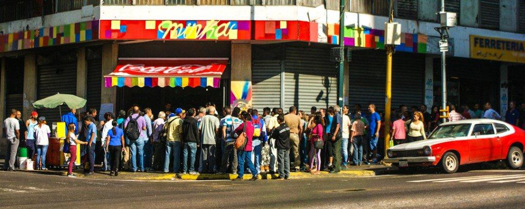 #La première boulangerie occupée par le pouvoir populaire à Caracas, #France,…  https:// cyohueso.wordpress.com/2017/03/29/la- premiere-boulangerie-occupee-par-le-pouvoir-populaire-a-caracas &nbsp; … <br>http://pic.twitter.com/KPn6bmnh6Z