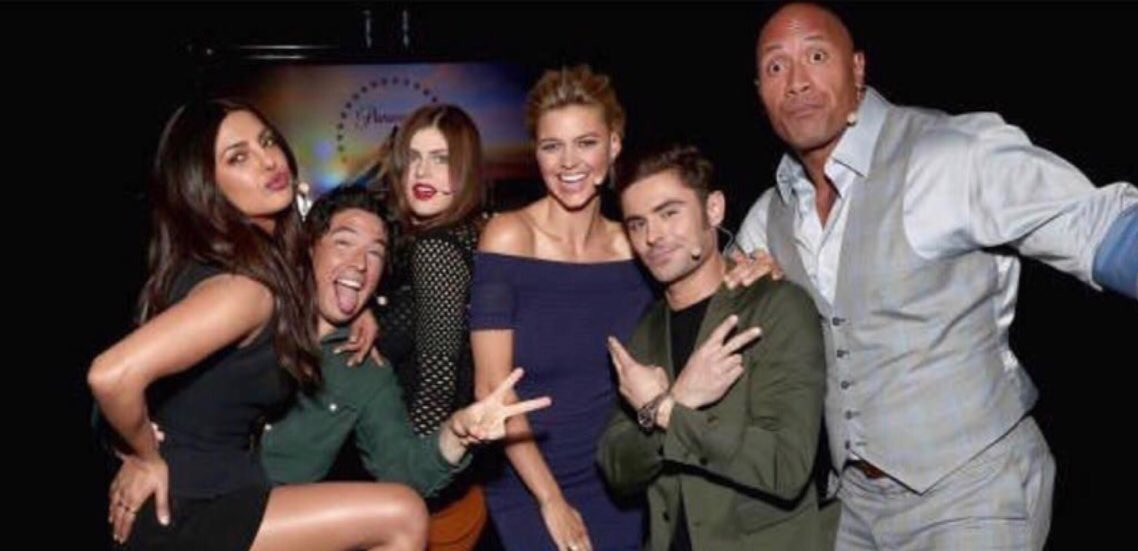 This happened 👀😶😄🙌🏼 #CinemaCon #BeBaywatch https://t.co/9V8JF4glqZ