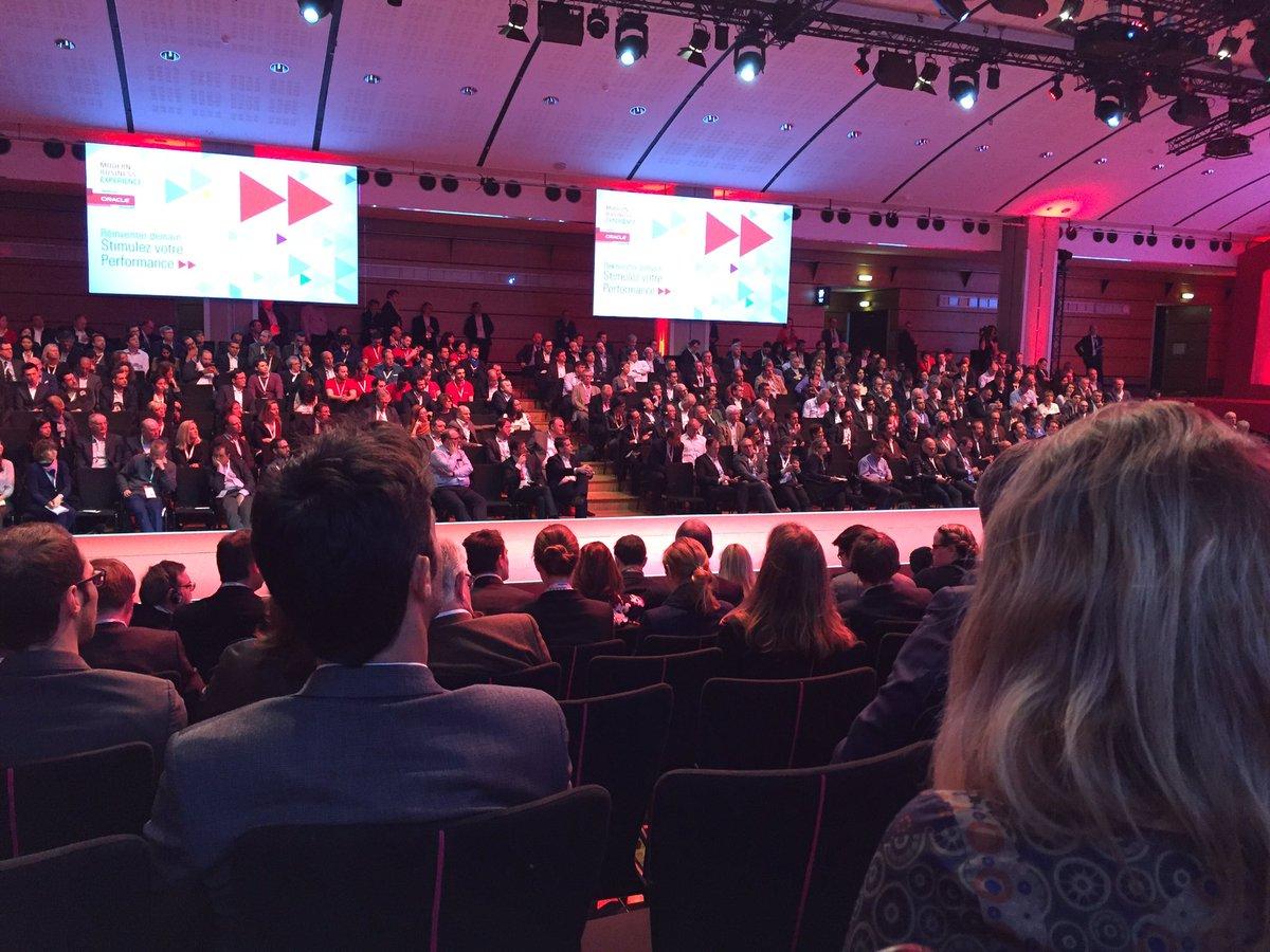 #Rumeur : @manuelvalls serait parmi les participants de l&#39;#OracleMBX !  #Valls #CherchezValls #ThePlaceToBe #Presidentielles2017 #Buzz  <br>http://pic.twitter.com/qmBmQDVT55