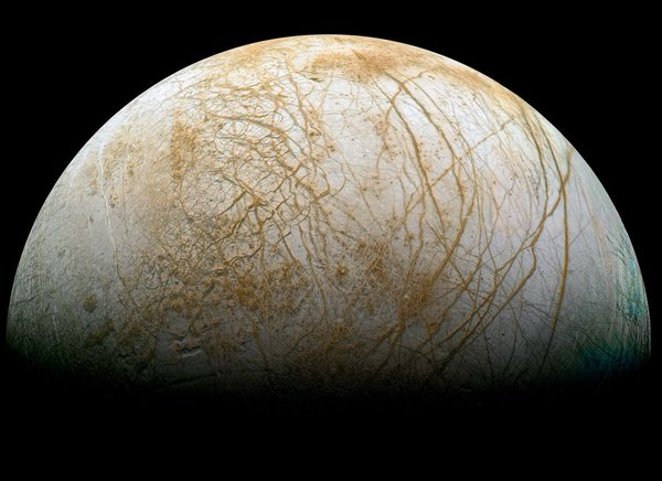#Today in 1998 Galileo spacecraft flew by #Europa for the 6th time https://t.co/pVWmHLSaix