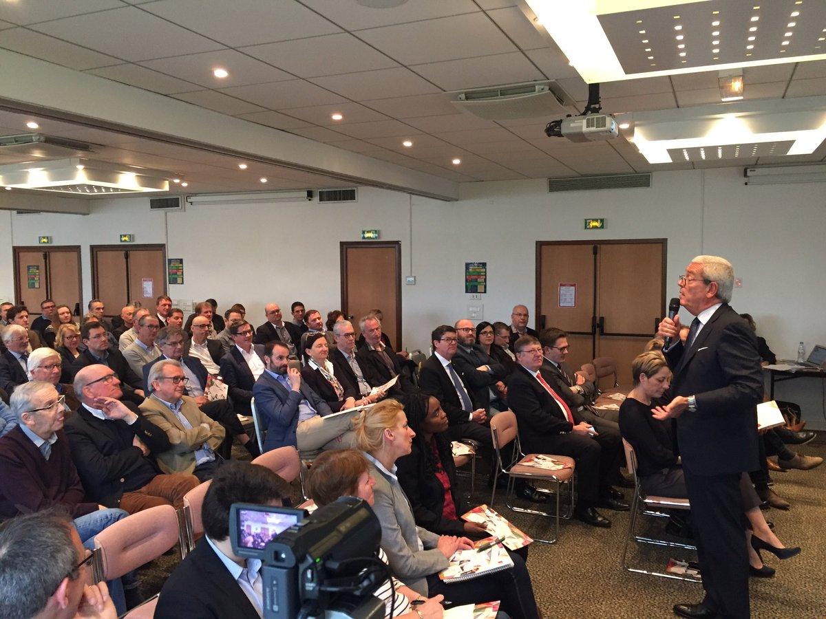 #agea&amp;vous 130 agents réunis à Amiens pour le projet refondation <br>http://pic.twitter.com/uqPjYu4zaA