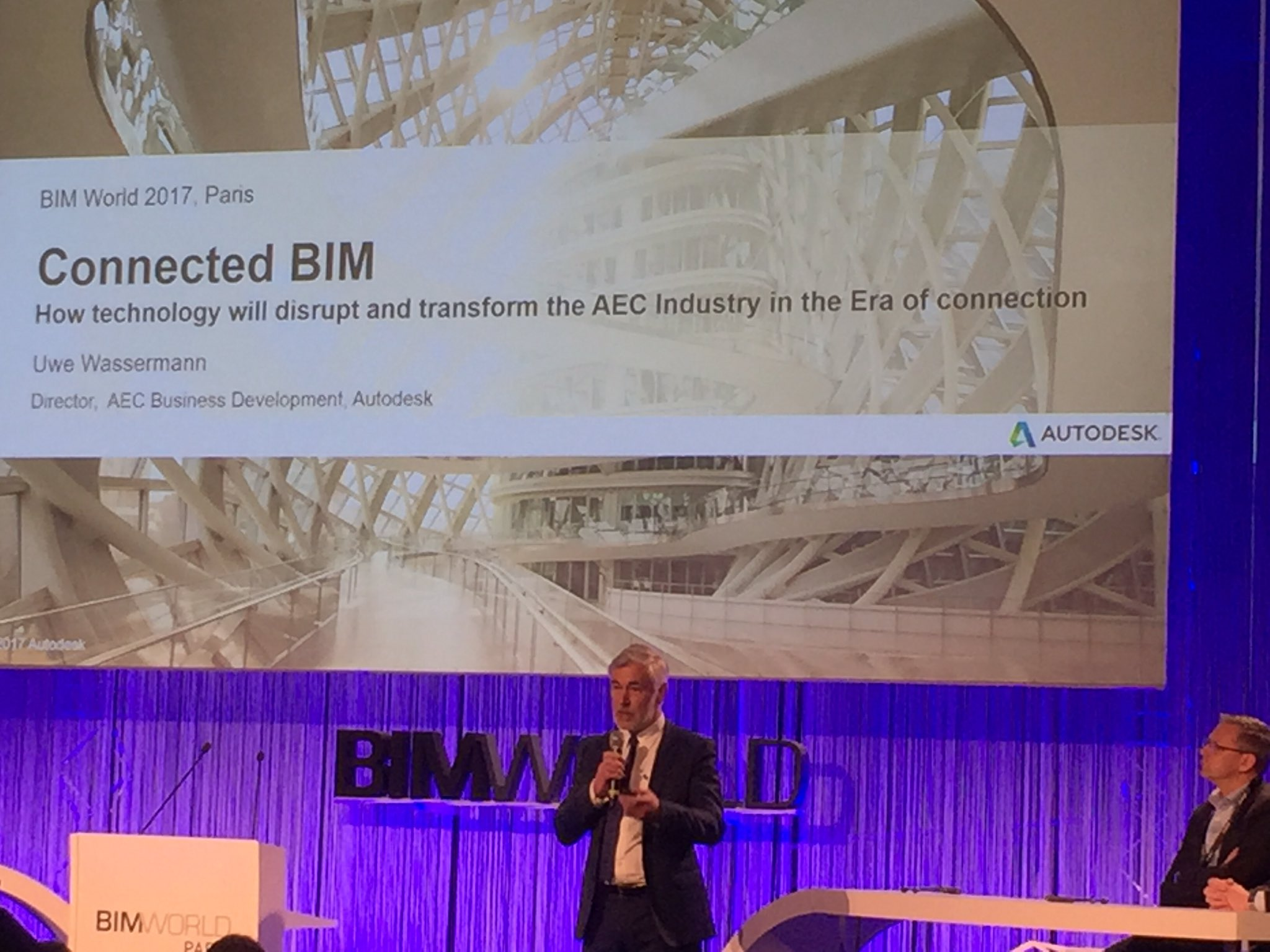 """""""Les grands défis du #BIM et de la transformation numérique"""" keynote #BIMWorld - le BIM connecté par Autodesk https://t.co/c52pCg8ulR"""