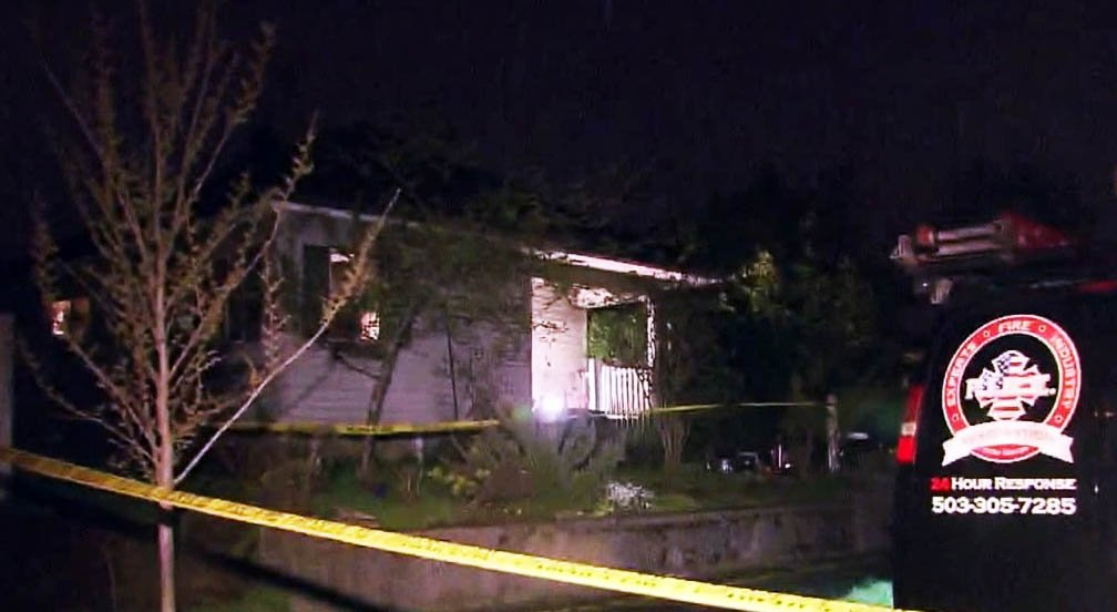 Man dies in Vancouver house fire  http:// dlvr.it/NlW025  &nbsp;   #pdx <br>http://pic.twitter.com/oPJrP6mHia