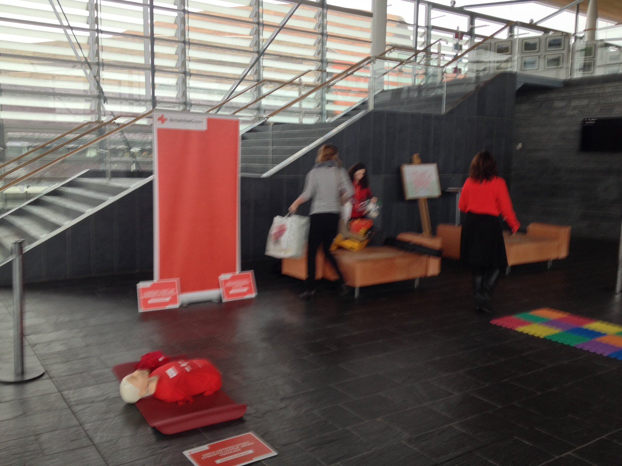 @BritishRedCross and @CardiffYC are setting up in the Senedd ahead of first aid session for AMs (10.30-11.30am). #learnandshare https://t.co/IvSCBwoH9w