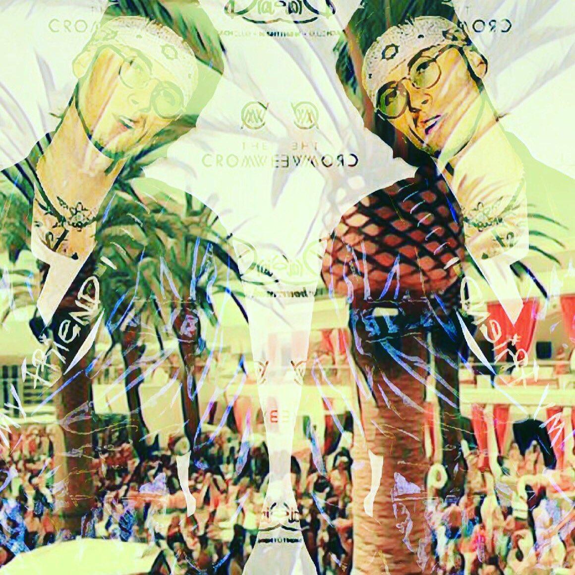 DOUBLE TROUBLE #MachineGunKelly #MGK #drais #LasVegas #DoubleTrouble #music @machinegunkelly<br>http://pic.twitter.com/r3FXSnl8JD