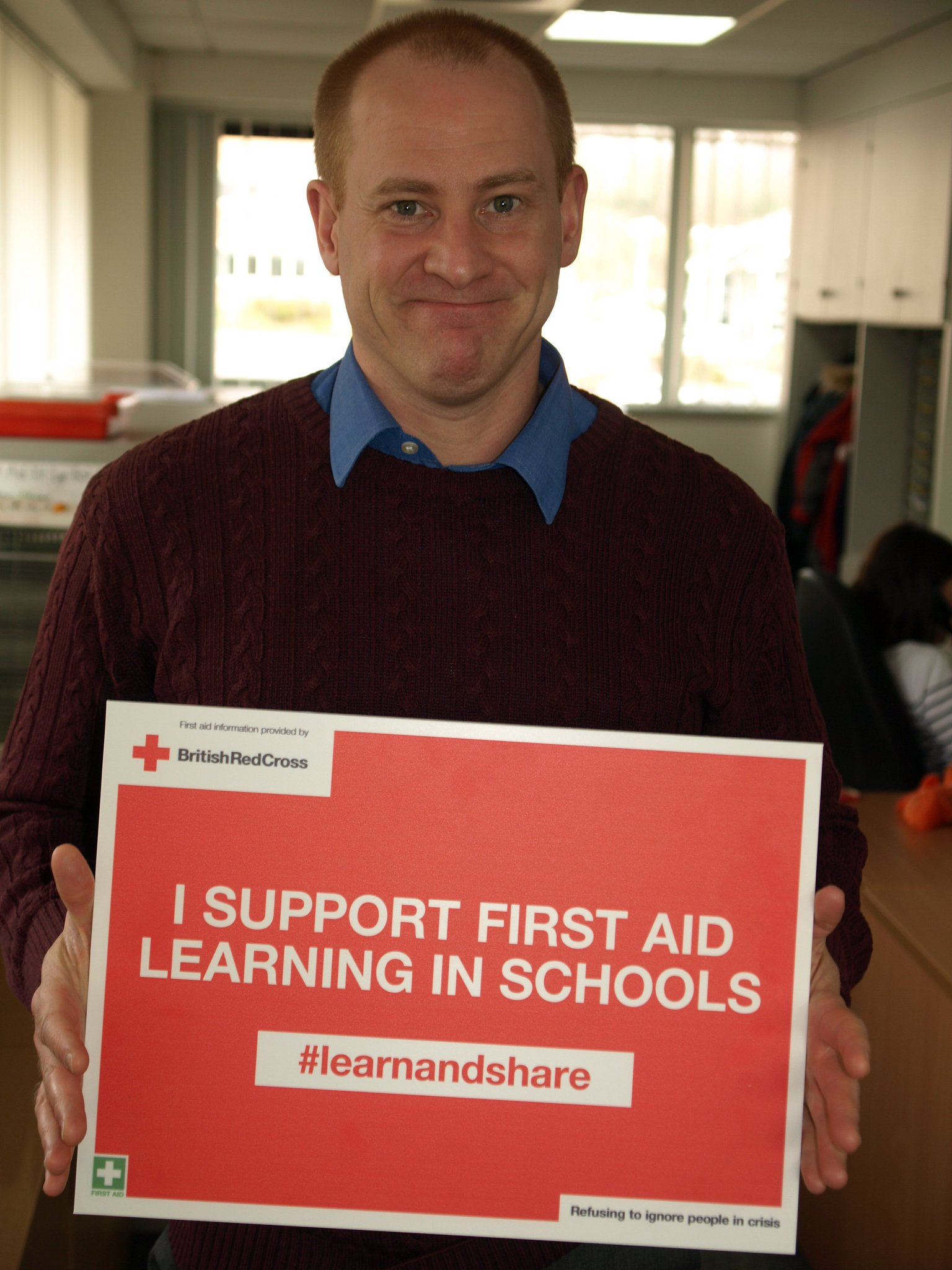 Andrew Finucane supports first aid learning in schools in Wales.  #lifesavingskills are essential so please #learnandshare. https://t.co/UvSKIG2fAB