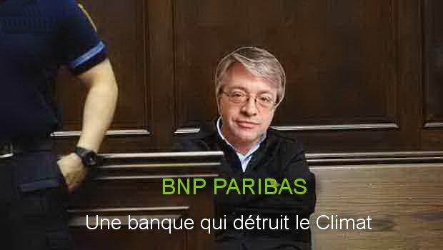 La place est réservée #surlebancsdesaccusés pour #bnpparibas  #EvasionFiscale le 11/04 16 Bd des Italiens à Paris.#FaucheursDeChaises<br>http://pic.twitter.com/Sd4wPUkjl8