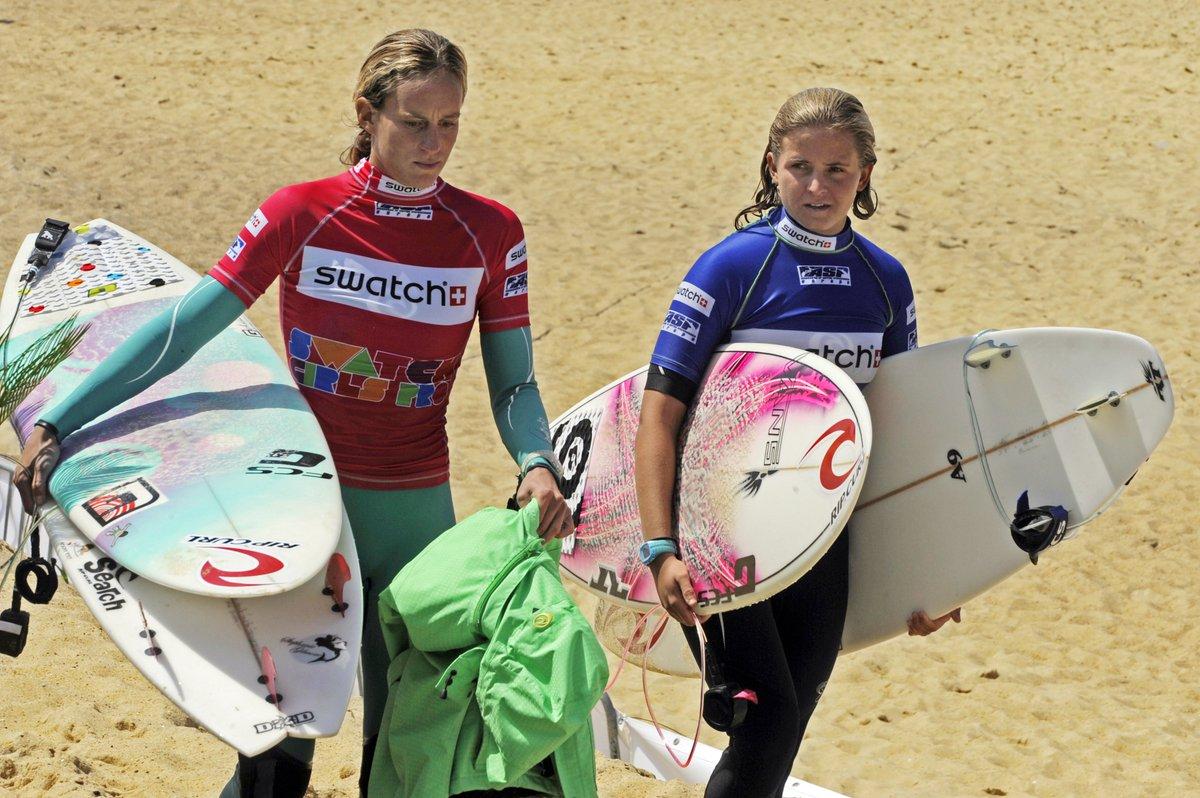 """""""Immersion"""" : enfin un magazine dédié au surf féminin #Gironde #insolite #surf #magazine  http:// france3-regions.francetvinfo.fr/nouvelle-aquit aine/gironde/bordeaux-metropole/bordeaux/immersion-enfin-magazine-dedie-au-surf-feminin-1223961.html &nbsp; … <br>http://pic.twitter.com/Y1xV0DvbHv"""