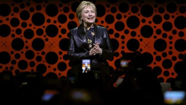 @HillaryClinton dénonce le sexisme dont sont victimes les femmes sur leur lieu de travail #polusa  http:// bit.ly/2nM2NAj  &nbsp;  <br>http://pic.twitter.com/jBUdW28RFZ