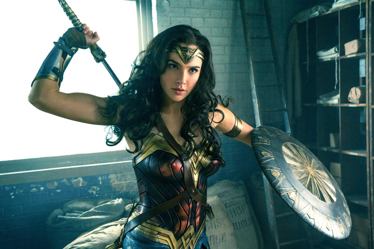 Become #WonderWoman with this new Facebook filter: https://t.co/jeNSc1...
