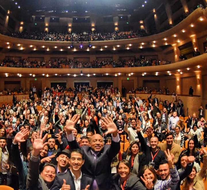 ESPECTACULAR EXITO WEBCONGRESS  @ouali @TheSharkDaymond Inspiran el mundo del internet #webcongress #colombia ¡WOW! https://t.co/jTKLA1tRcJ
