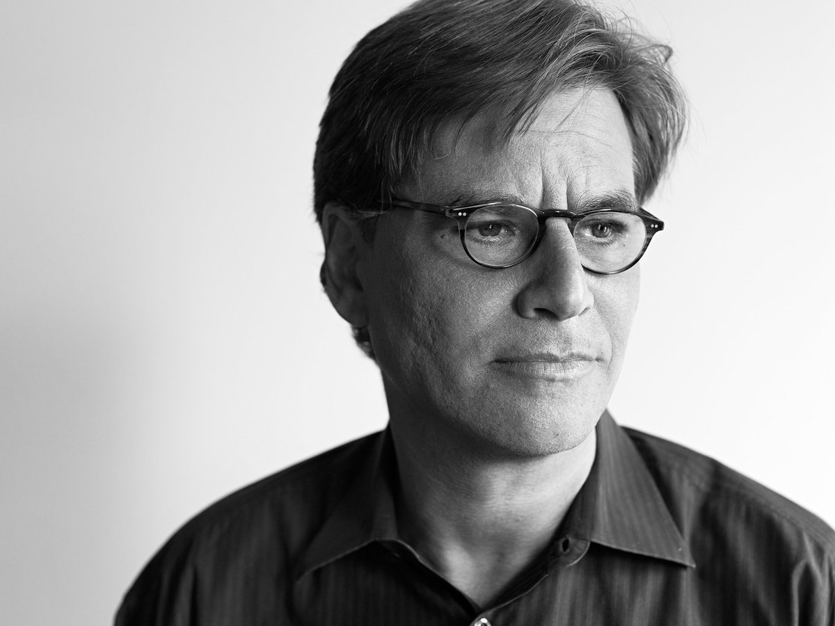Le génie Aaron Sorkin (The West Wing, The Newsroom) n&#39;exclut pas de bosser avec #Marvel ou #DCComics. (cc @Greg_is_BigB)<br>http://pic.twitter.com/vMCq4t0F57