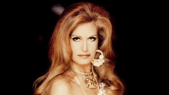 Bientôt sur @Francetele découvrez le portrait de #Dalida icône absolue des années 50 raconté par @GiordanoIsabel dans #ArtistesDeFrance<br>http://pic.twitter.com/qlXiy6nY1m