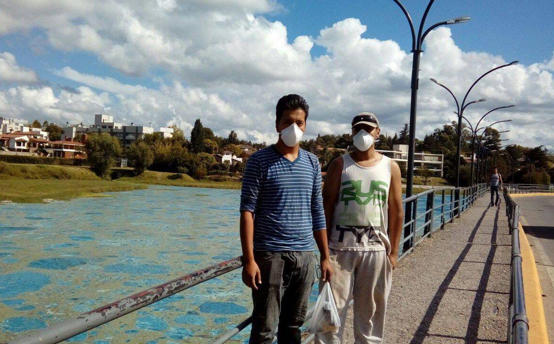 #Perdimos El lago de Carlos Paz se volvió fluorescente y pone en riesg...