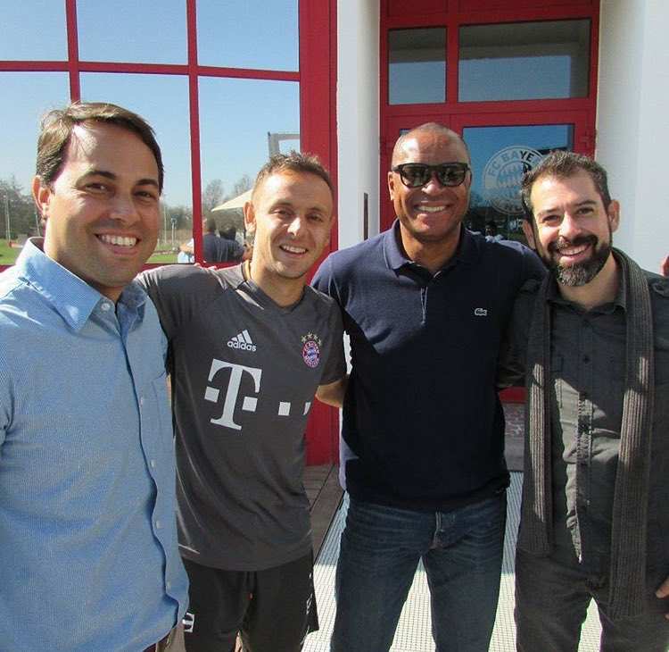 A visit from our friend Paulo Sergio here at @FCBayern!! #MiaSanMia ht...