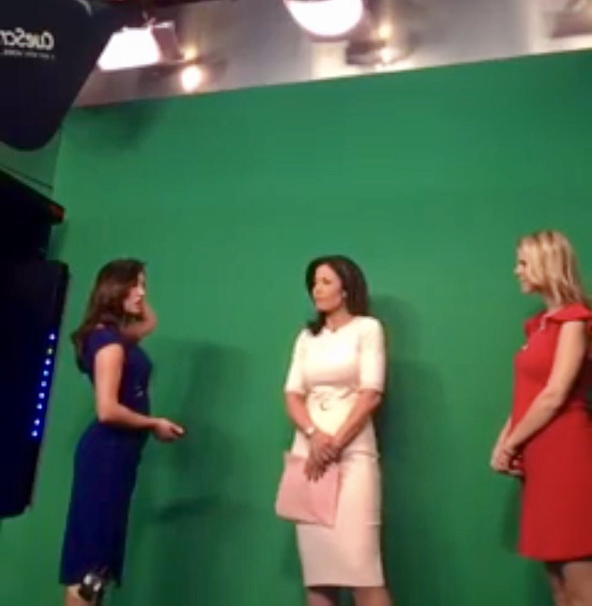 Wednesday morning headlines, your weather, #Wizards &amp; something new you&#39;ll notice on #Facebook today WATCH:  https://www. facebook.com/ohmygoff/video s/10158341421610328/ &nbsp; …  #nbc4dc <br>http://pic.twitter.com/mdTvhQB2CD