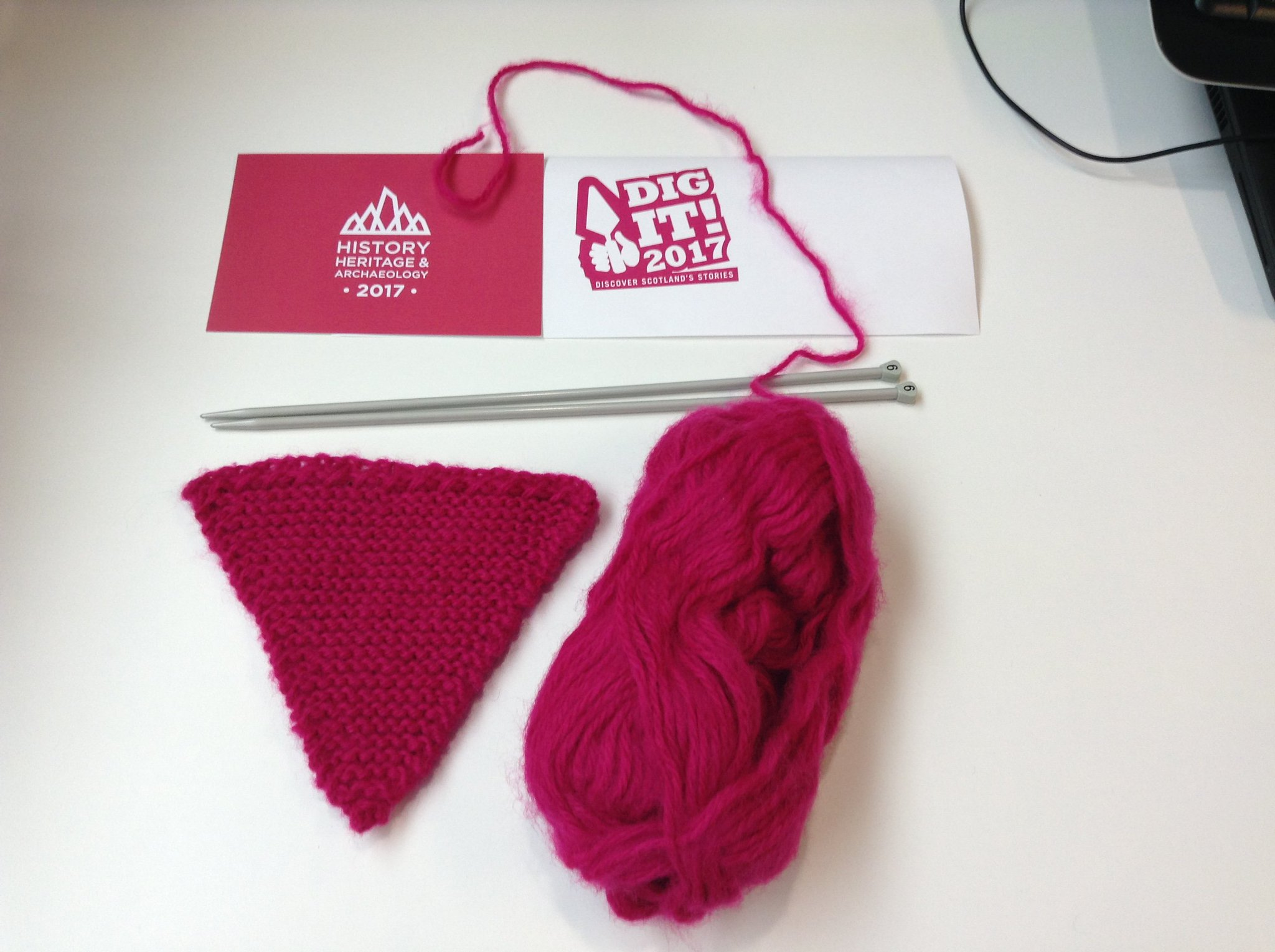 Operation #knitnewlanark begun with bunting in @DigIt2017 pink. Or is that @FestofMuseums pink? https://t.co/KgI1uw1b5A