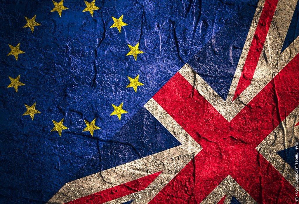 #UE: #Brexit, le Royaume-Uni largue les amarres  http://www. la-croix.com/Monde/Europe/B rexit-Royaume-Uni-largue-amarres-2017-03-29-1200835643?utm_term=Autofeed&amp;utm_campaign=Echobox&amp;utm_medium=Social&amp;utm_source=Twitter#/link_time=1490778331 &nbsp; …  #Europe #EU #Polska #Pologne #Poland #Polen<br>http://pic.twitter.com/f7MXmVec5I