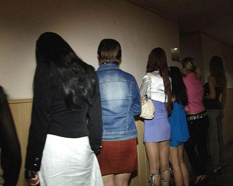 Проститутку осудили за секс проститутку
