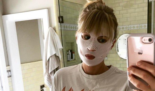 RT @ElleCanada: @CTilburyMakeup just released a dry facial sheet mask https://t.co/UHE7AFXISr https://t.co/Z8HnH8umTq
