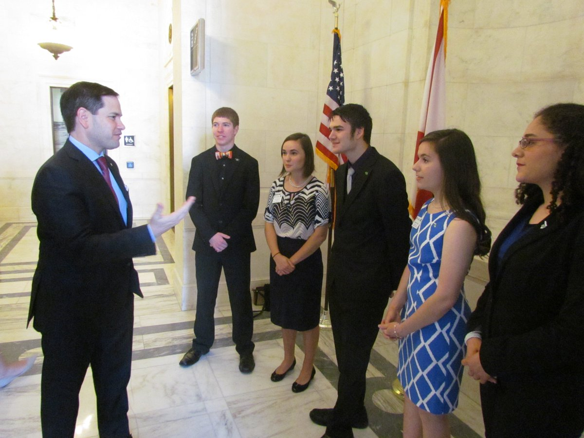 These young @4H members from #Florida are the #ag leaders of tomorrow. Thanks for visiting me in DC today. #sayfie <br>http://pic.twitter.com/mVtVGKzhea