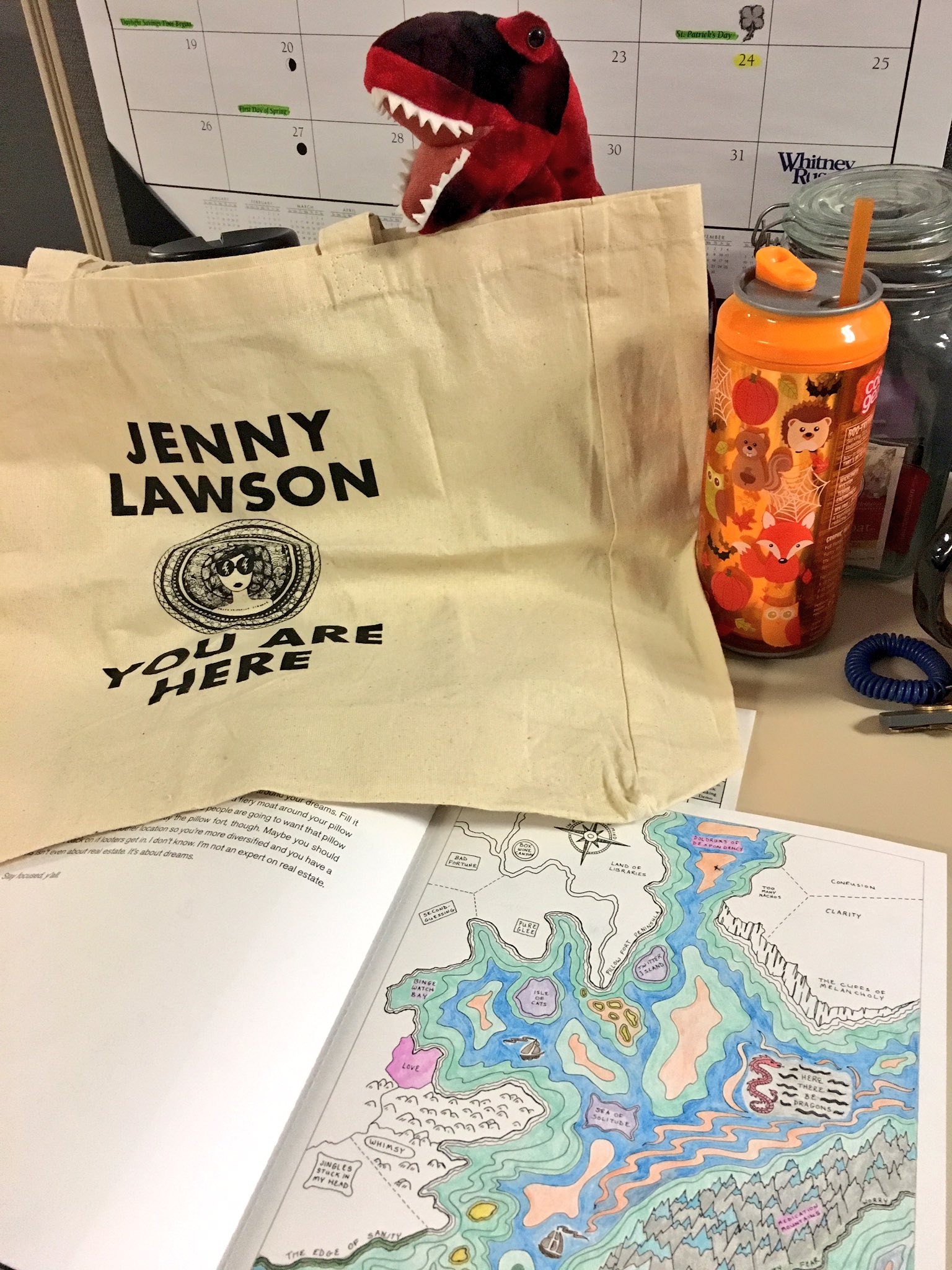 Super stoked that my #youarehere tote bag came in yesterday. Had to show it off at work ✌🏻@TheBloggess https://t.co/XlLEV8IRz1