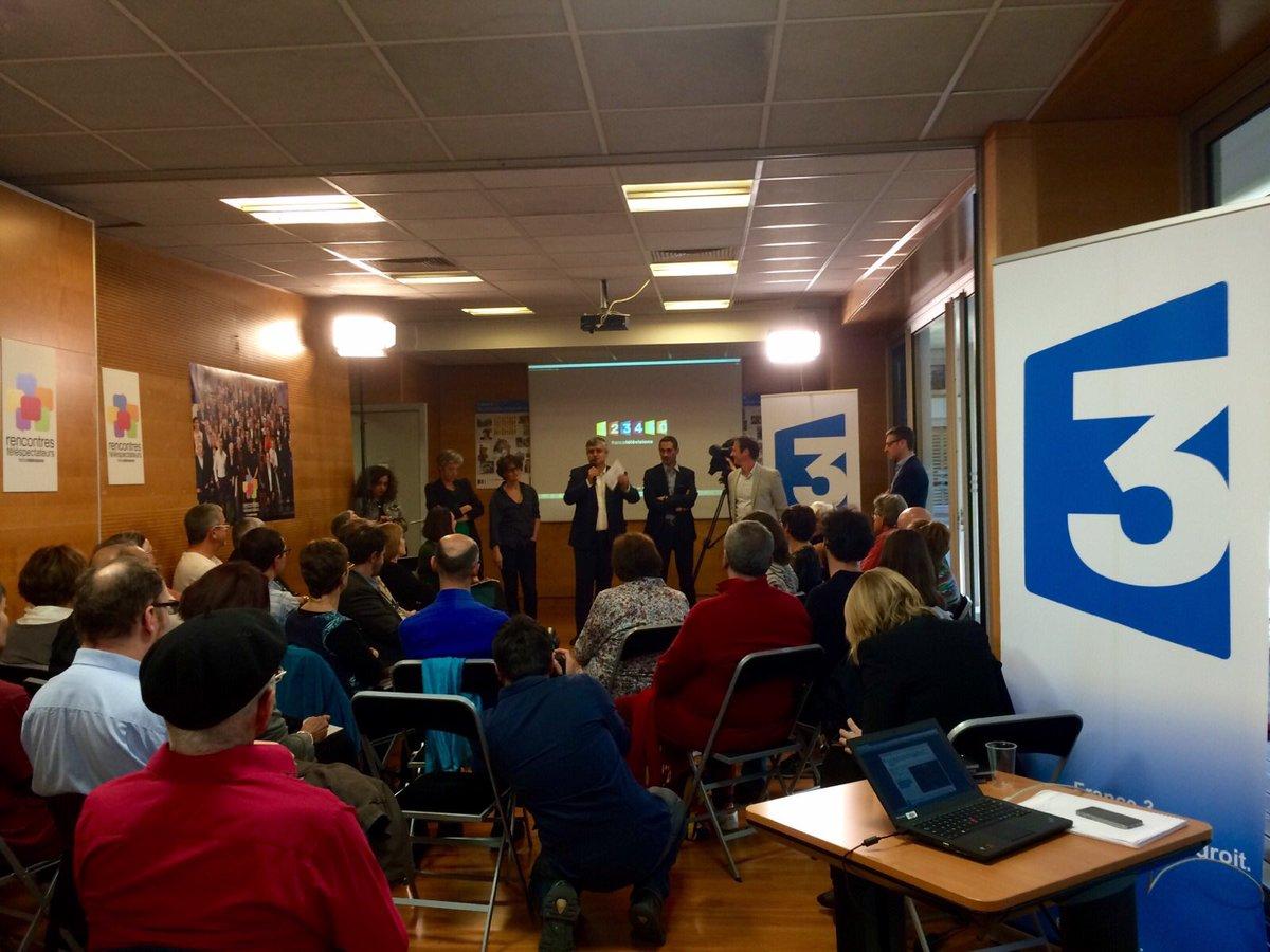 #EnDirect de la #TableRonde  @Toulouse avec nos téléspectateurs sur la thématique de #l&#39;information  #NotreTélé<br>http://pic.twitter.com/6lqydiRyEX