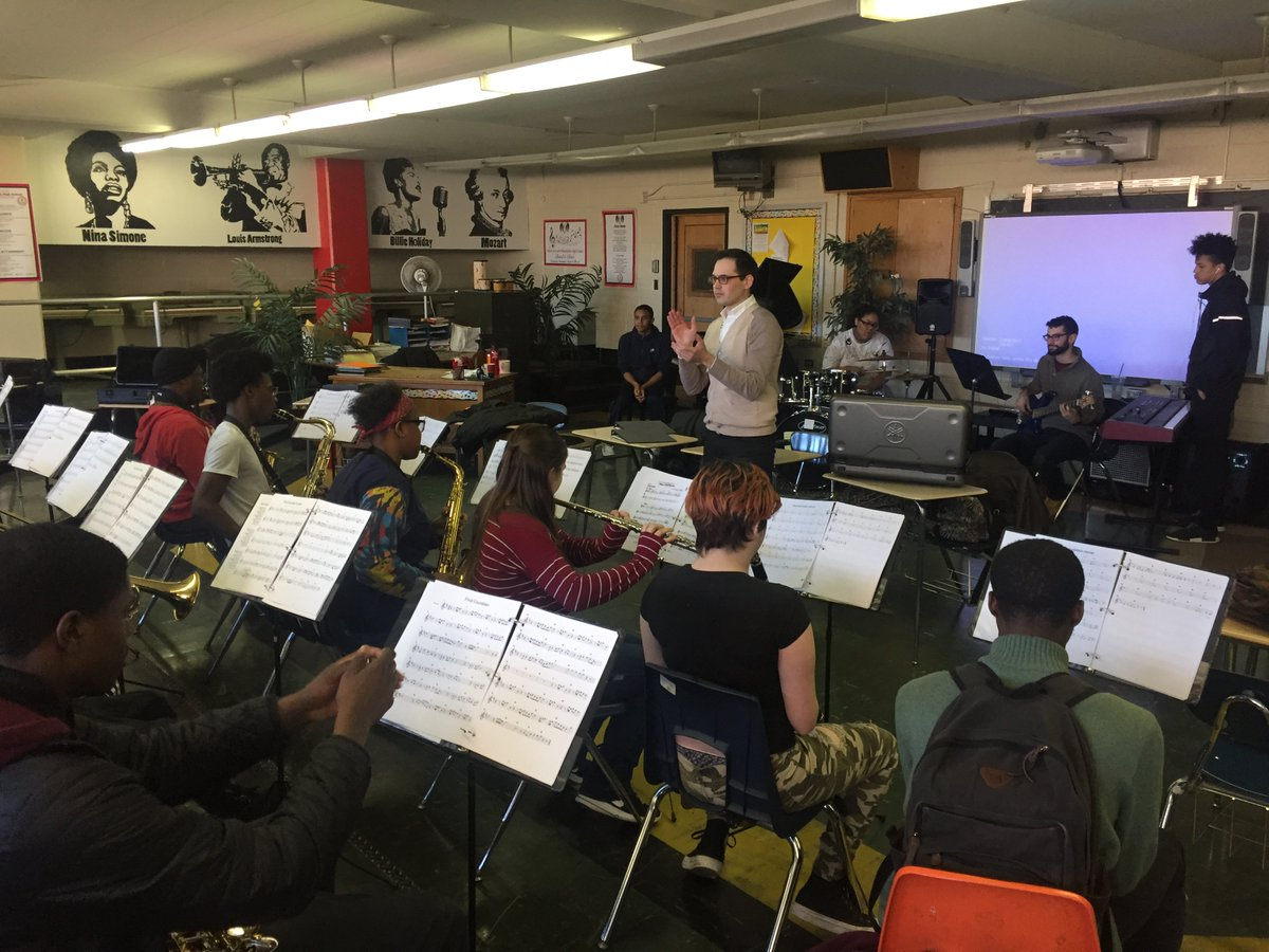 ArtistYear Fellow Stas Chernyshev (#clarinet @CurtisInstitute) on Music &amp; Band during his @ServiceYear @SouthPhilaHS  http:// artistyear.org/why-music-why- band/ &nbsp; … <br>http://pic.twitter.com/tlcbxpjmDR
