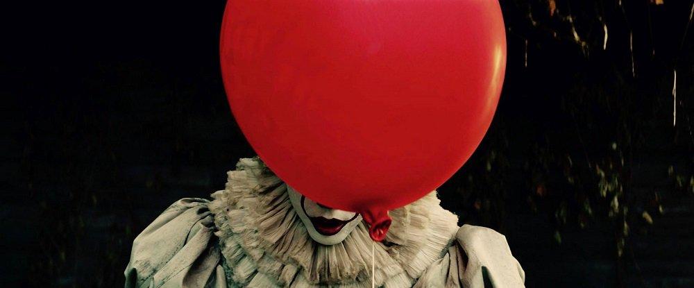 La bande-annonce de #IT est (enfin) là  http:// bit.ly/2nAOw97  &nbsp;  <br>http://pic.twitter.com/Pg8xxOhgeW