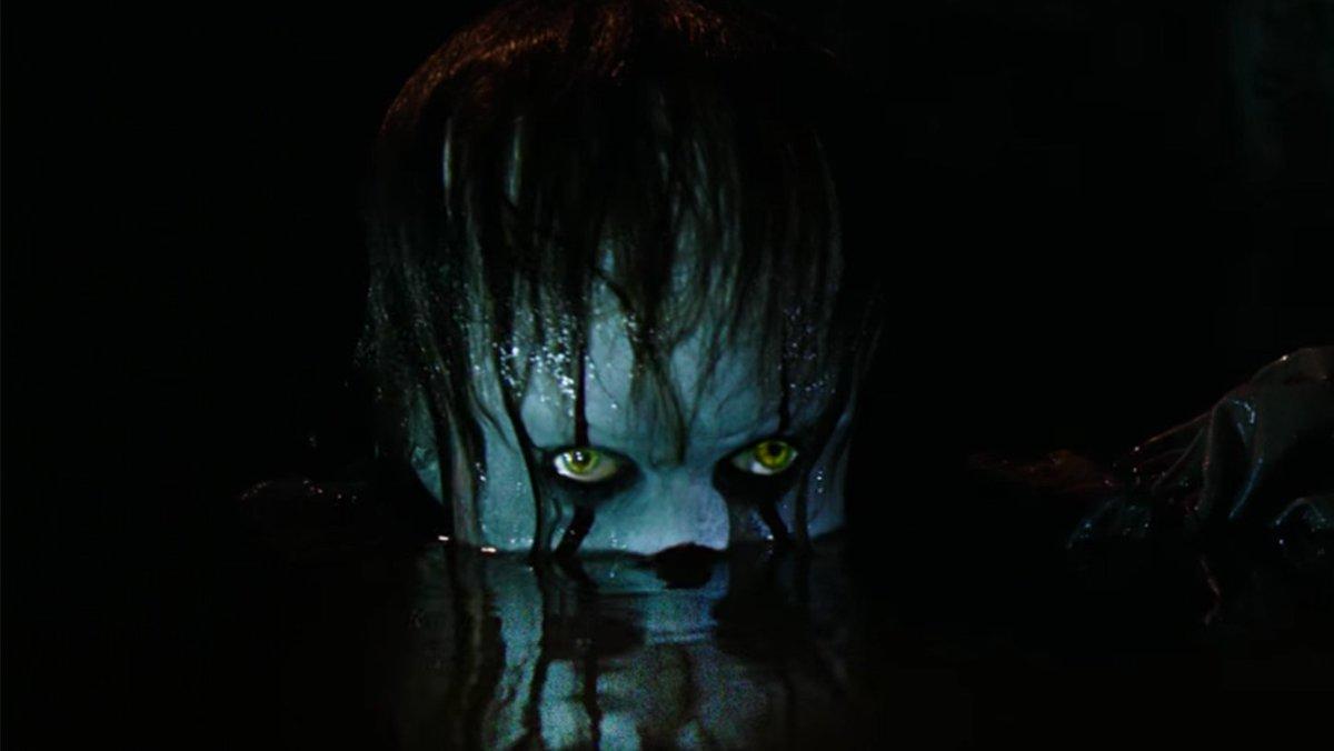 #IT (Ça) nous terrifie dans le premier trailer.   http://www. revuemultimedia.fr/a-4386-it-ca-n ous-terrifie-dans-le-premier-trailer.html &nbsp; … <br>http://pic.twitter.com/5raUp7X3uN
