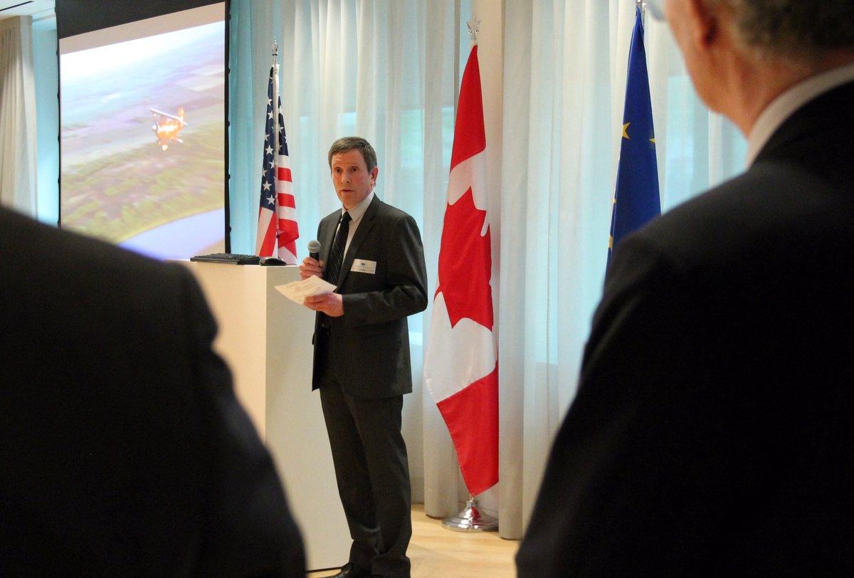 Recherche #arctique: Alain Leclair, Directeur @POLAIRECanada dit qu&#39;on est plus fort si on travaille ensemble. Ns sommes d&#39;accord! #CdaEUST<br>http://pic.twitter.com/tHe3VVym7g