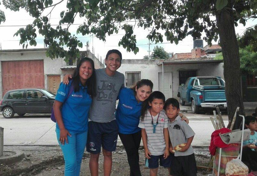 #Hoy | Coord. Gral. del Plan Provincial @Escuelabierta1 Lic. @patriciapinasco visitó #PlayonesEducativos... #SomosPolíticasSocioeducativas<br>http://pic.twitter.com/74IG0XXB66