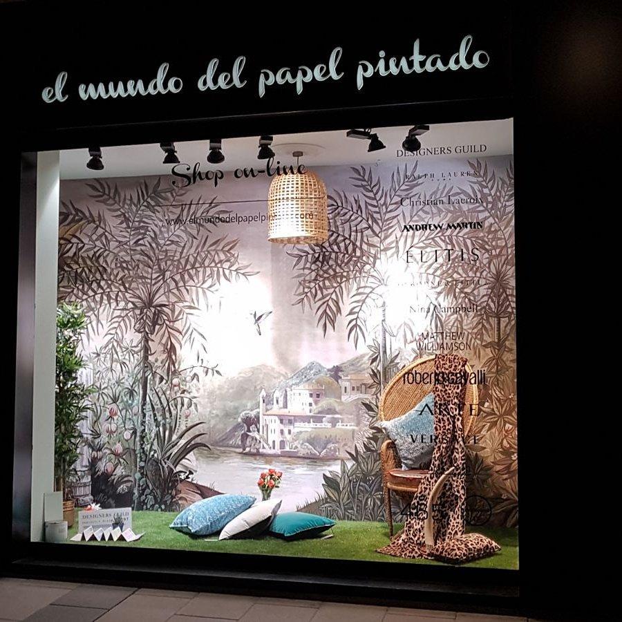 Muchas gracias al gran equipo @coordonne  #tempo #palazzo #papelpintado #wallpaper #decoracion #interioresdesign #escaparate <br>http://pic.twitter.com/l1zBhu6Qqa