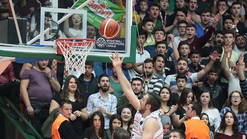 Banvit, FIBA Şampiyonlar Liginde 'Dörtlü Final'e yükseldi https://t.co...