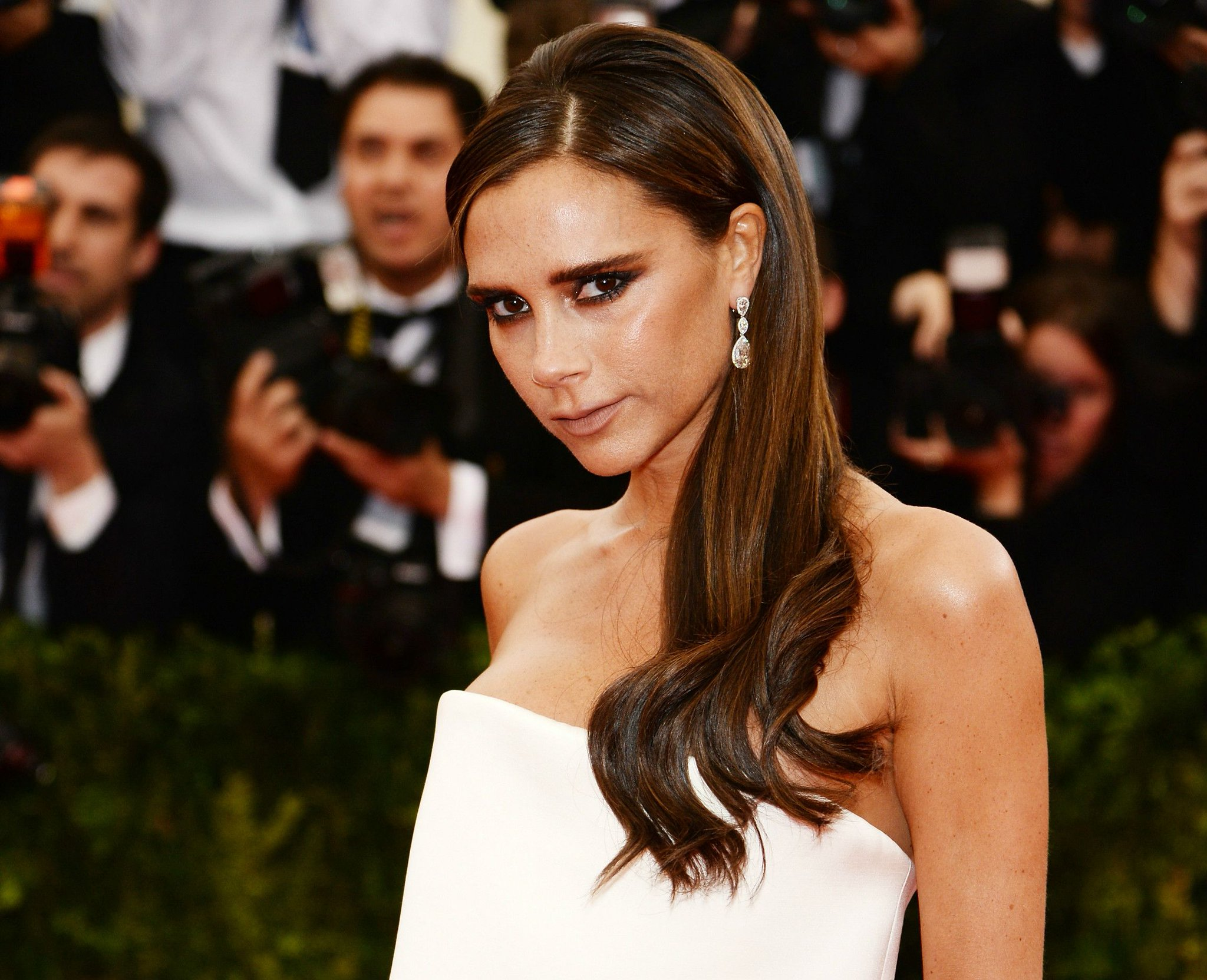 Victoria Beckham just explained why she doesn't smile (in the best way ever): https://t.co/u1BhWNP1dX https://t.co/h3Vm3RyyL9