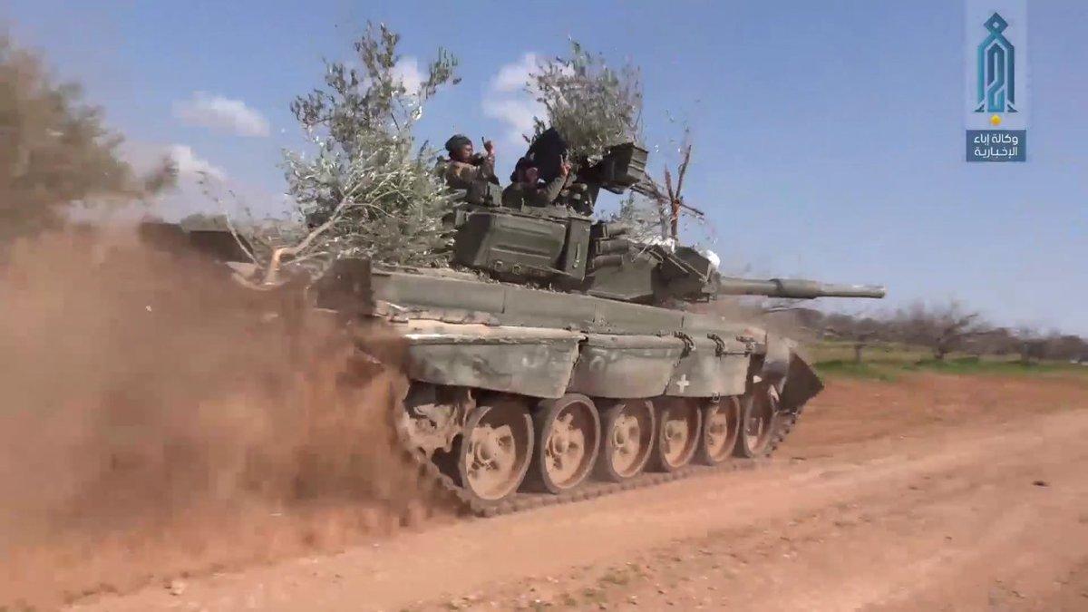 Появились свежие снимки изуродованного Т-90, захваченного боевиками в Сирии