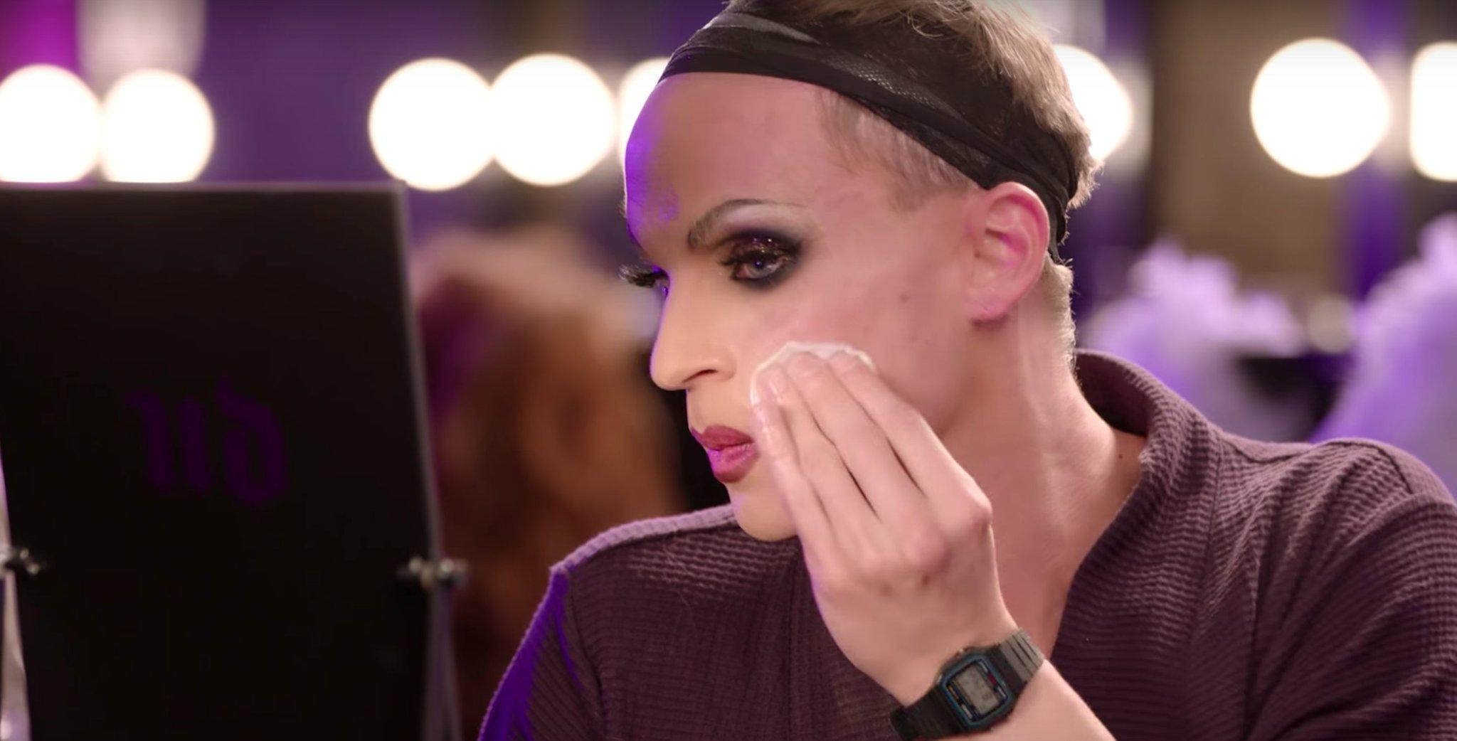 Watch Drag Queens Test the Urban Decay Meltdown Makeup Removers https://t.co/oFcIGktKcI https://t.co/vIp1SxDLdb