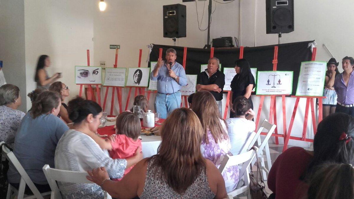 #Hoy | 150 mujeres conversaron con @donofriojorge preocupadas por la problemática de genero con la que conviven a diario @RadioXPilar<br>http://pic.twitter.com/oWjKsG0lTX