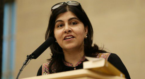 Baroness @SayeedaWarsi says British volunteers in the #Israeli Army should be prosecuted  http:// toi.sr/2oirhz2  &nbsp;   #IDF<br>http://pic.twitter.com/PSjsKmR8Yo
