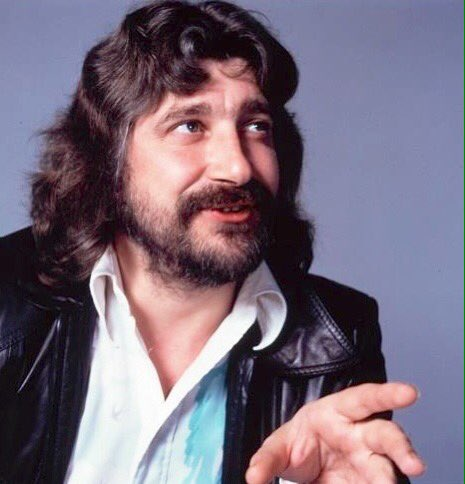 Happy birthday to the absolutely amazing Graeme Edge! Have an amazing day, Graeme!