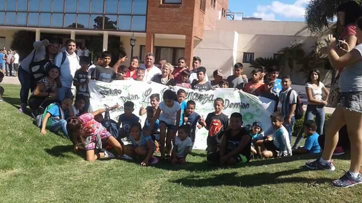 #HCDTigre orgullos@s iniciamos otro año + Programa @TurSocialTigre para l@s niñ@s @MunicipioTigre #Hoy Benavidez @MalenaMassa @ZamoraJulio<br>http://pic.twitter.com/hgpaZYozFD