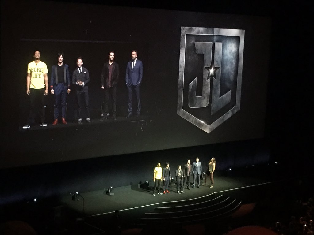 Amazing Justice League trailer shown at #CinemaCon. Very much like the...